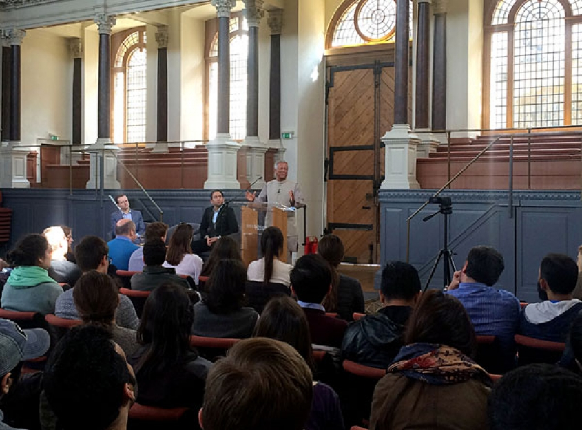 Yunus Encourages Oxford Youth to imagine a new world and make it happen